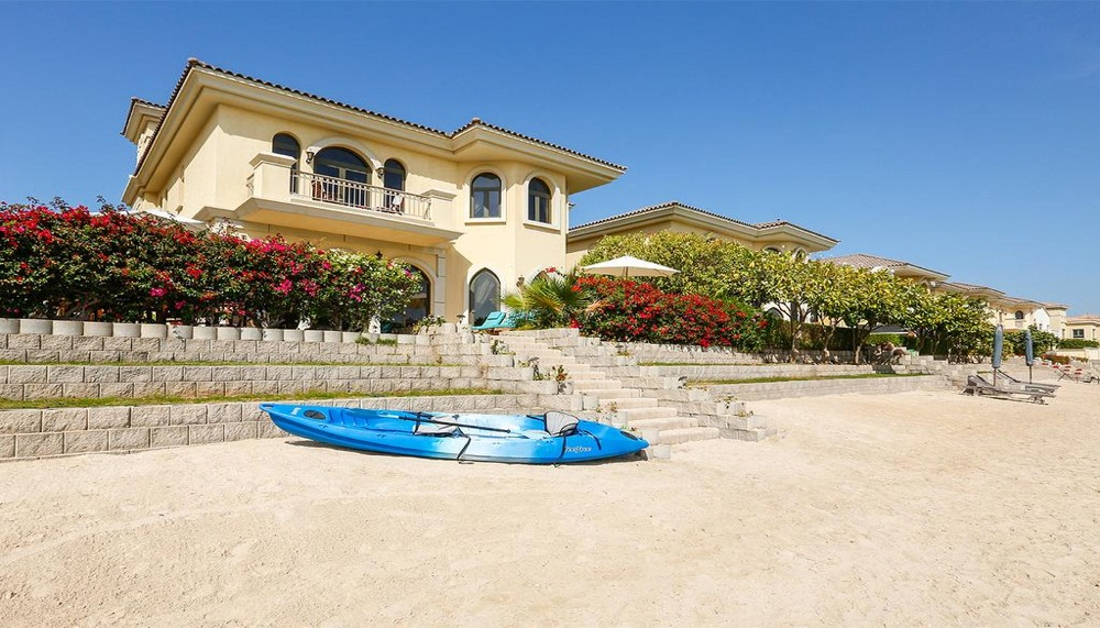 Luxury 4 Bedroom Villa Rental on Jumeirah Palm