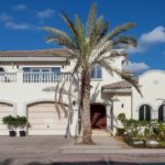 4 Bedroom Jumeirah Palm Vacation Home