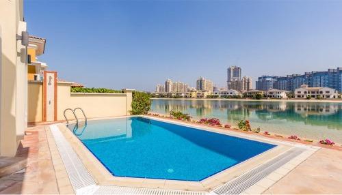 5 Bedroom Vacation Villa Jumeirah Palm